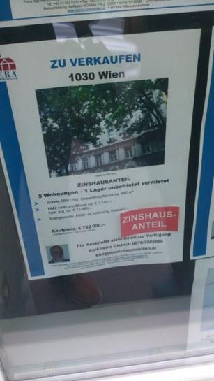 """Anteile an Mietshäusern zu kaufen ist ein neues Geschäftsmodell in Wien. """"Zinshausanteil"""" in 1030 wird hier beworben. Gesehen: Unbekannter Ort. Sommer 2014"""